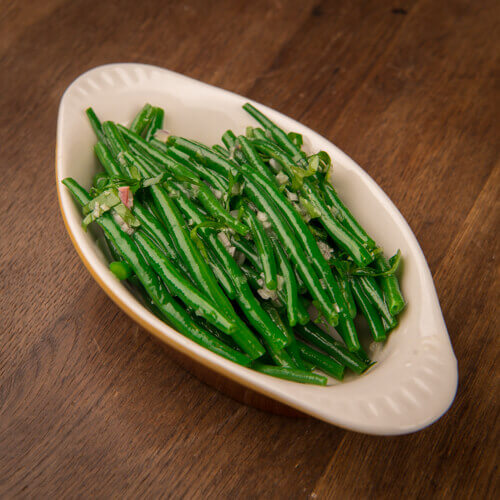 Green beans and shalotts Haricots verts