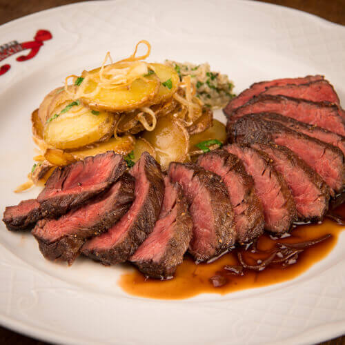 Hanger steak, shalot confit red wine sauce and roasted potatoes