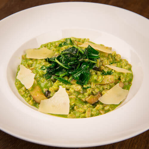 Spelt risotto with baby spinach and mushroom